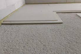 Die wärmeabgabe nach unten soll 20 w/m² bzw. Der Trockenestrich