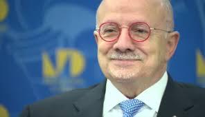 Miami Dade College President Eduardo Padrón Announces Retirement – CBS Miami