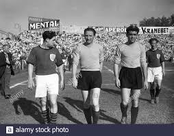Amichevole incontro di allenamento tra Italia - FSV Francoforte prima della  partita Italia - Inghilterra nella foto: Silvio Piola (al centro) e Carlo  Annovazzi (a destra), Padova, maggio 1952. --- Padova, Maggio