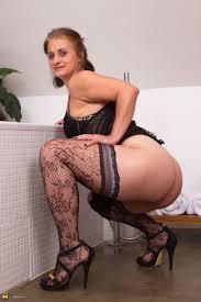 Hot mature granny pics
