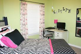 bedroom wall ideas for teenage girls. Beauty Design Of The Teen Bedroom Decor With Green Wall Ideas Added White Working Table For Teenage Girls