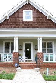 15 Surprisingly Victorian Front Porch Designs