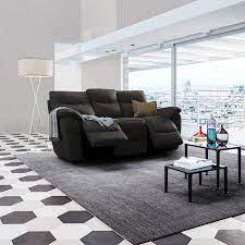 Il divano in pelle si può trovare in diversi modelli: Poltronesofa In Pelle