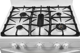 stove kenmore. the gas rangetop features a continuous grate. stove kenmore