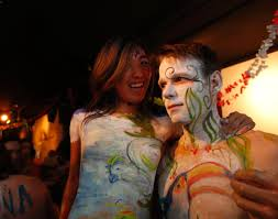 painting party in new york city photos new yorkers strip down for painting party ny daily news