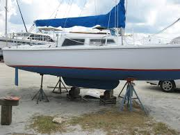 boat reviews which sailboat catalina 22 swing keel raised fixed rudder