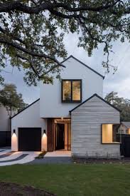Austin home by Dick Clark + Associates references surrounding properties