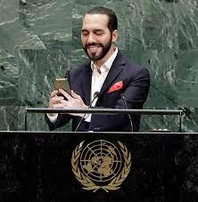Presidente do El Salvador quebra protocolo e faz selfie na ONU