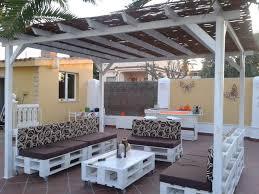Fantstico rincn chill out fabricado con palets. Palet Garden  FurnitureDeck FurnitureWooden ...
