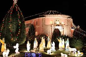 Pasadena Christmas Lights Altadena Ca The Balian House And Christmas Tree Lane