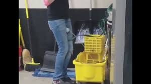 Girl pee in like man