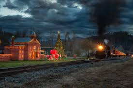 Polar Express Lights The Polar Express Is Not Only Real You Can Ride It Fortune