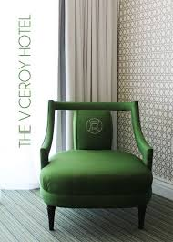 designer kelly wearstler used these fab emerald coloured chairs at the viceroy hotel