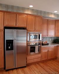 34 traditional light wood kitchen