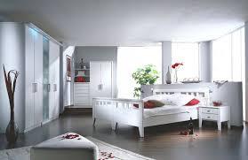 Schlafzimmer Modern Wandschräge Losgelöst Auf Moderne Deko Ideen ...