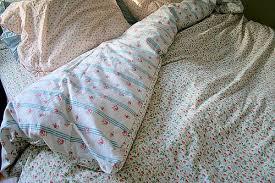 vintage flower sheets make a duvet out of vintage sheets bed sheet elefamily co