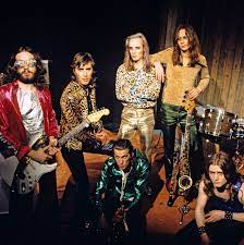 Bryan ferry liked them as well and we both knew about. Who Is Roxy Music A Guide To The Songs And Eno Ferry Feud