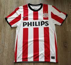 PSV Eindhoven Home Fußball-Trikots 2011 - 2012. Sponsored by Philips
