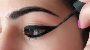 wing eyeliner लग न क सह तर क how to apply perfect winged eyeliner for beginners anaysa