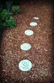 Diy Stepping Stones Furnitures Creative Design Stepping Stone Diy Idea Bottle Broken