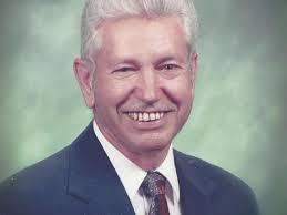 Walter V. (Mike) Robertson | Obituaries | yakimaherald.com