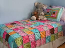 HOME DZINE Craft Ideas | How to make a patchwork quilt & make a patchwork rag quilt Adamdwight.com