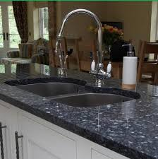 what s the best way to clean a granite worktop