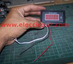 diy digital voltmeter panel meter 0 50v eleccircuit com 1 digital voltmeter panel