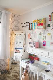 very small bedroom idea for teen girl