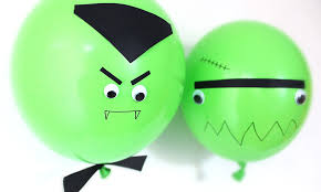 DIY <b>Halloween decorations</b> with <b>balloons</b>   This is Life
