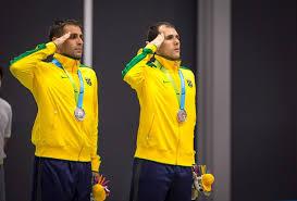 Resultado de imagem para Fotos de atletas militares em continência à bandeira no Pan