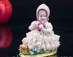 Купить фарфоровую <b>статуэтку Девочка в розовом</b> капоре ...
