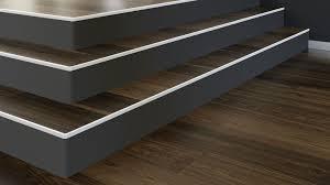 Eine treppensanierung ihrer alten treppe ist somit in kürzester zeit und zu einem fairen preis möglich. Treppenkantenprofilsysteme Fur Parkett Und Laminat Kuberit Profile Systems Heinze De
