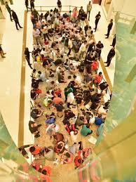 iphone 11 fan rush at dubai mall for