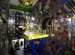 CK Geek: El LHC, ¿la máquina más compleja jamás construida o un juego de  niños?