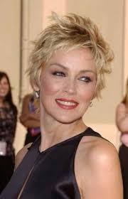 short hair styles for women over 40 17