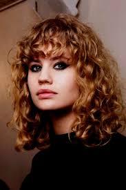 Image Coiffure Femme Cheveux Mi Long Bouclés Coiffure