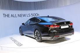 2018 lexus es f sport. interesting sport the allnew 2018 lexus ls 500h gets revealed in geneva with lexus es f sport