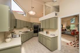 What Color Should I Paint My Kitchen Cabinets?