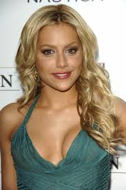 Brittany Murphy was known to be a really beautiful and charming actress. Her tragic death in 2009 has shocked the whole world but still, her beautiful face ... - brittany_murphy-679x1024