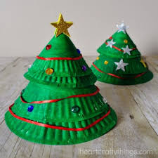 Paper Plate Christmas Tree Craft  Naturally EducationalChristmas Paper Plate Crafts