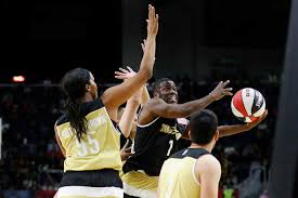 the night in sports feb com comedian kevin hart goes up for a shot against team during the annual celebrity game