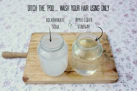 ditch the poo wash your hair using only bicarbonate soda and apple