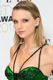 Taylor Swift New Hair Style 5 best taylor swift hair looks taylor swifts signature hairstyles 7043 by stevesalt.us