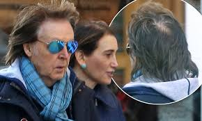 Paul McCartney displays bald patch on lunch date | Daily Mail Online