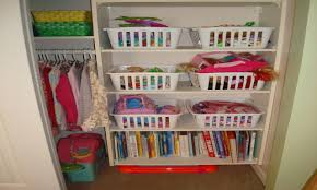 Organizing A Small Bedroom Organizing Small Bedroom Photos And Video Wylielauderhousecom
