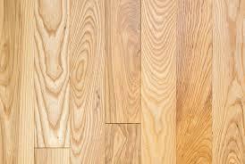 Dabei hat die esche viele gute eigenschaften. Massivholzdielen Esche Osmo Holz Und Color Gmbh Co Kg