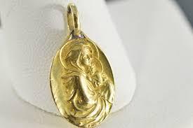 vintage madonna child charm pendant 18k yellow gold