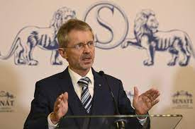 Senat handelt: Kompetenzen des kranken Präsidenten Zeman sollen übertragen  werden