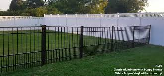 Vinyl fence Garden Differences Between Aluminum And Vinyl Fences Differences Between Aluminum And Vinyl Fences Tennessee Valley